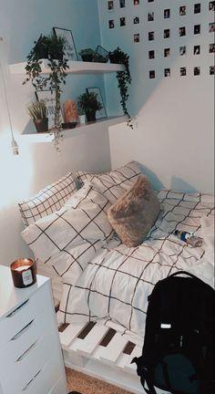 Room Ideas Bedroom, Teen Room Decor, Small Room Bedroom, Bedroom Decor, Bedroom Inspo, Bedroom Inspiration, Small Teen Room, Ikea Bedroom Design, Dorm Room Themes
