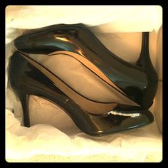 Black Michael Kors Pumps Size 11, black pumps. Never worn, new 'with tags', perfect for business attire or paired with a cute date-night outfit Michael Kors Shoes Heels