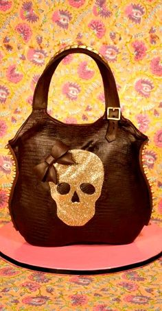 Elisa Strauss's Goth Bag Cake Tutorial