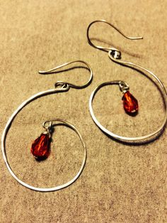 Hammered wire DIY earrings. V's Jewels on Facebook.