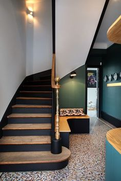 32 Staircase Decor Trending This Winter - Home Decoration Experts Painted Staircases, Painted Stairs, Painting Wooden Stairs, Staircase Painting, Flur Design, Hallway Inspiration, Stair Makeover, Hallway Designs, New Interior Design