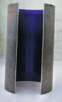 Pillar - Anish kapoor