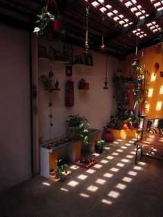 22 Ideas for patio dining decor courtyards Small Outdoor Patios, Outdoor Patio Designs, Small Patio, Dining Decor, Patio Dining, Dining Tables, Dining Room, Kerala Traditional House, Cozy Patio