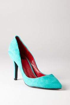 bought these. hopefully the color is true to the picture--they might be winners! becoming-mrs-kellogg-3