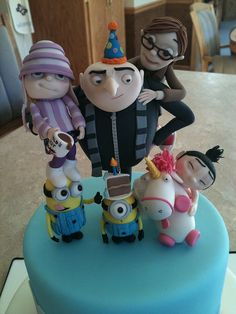 Dispicable Me show piece by Erin Salerno, Ermehgerd!!! I want this on my Birfday cake next year!!!