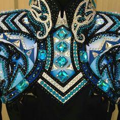 Beautiful details on a horsemanship top