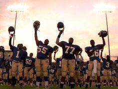 Con la #superbowl a la vuelta de la esquina es hora de sacar al terreno de juego a nuestro equipo de #documentales de #football  https://letrayframeblog.wordpress.com/2018/02/01/super-bowl-de-documentales/ Link in bio #tombrady#eagles#patriots#football#superbowlLII#NewEnglandPatriots #PhiladelphiaEagles #JustinTimberlake #documental #documentary