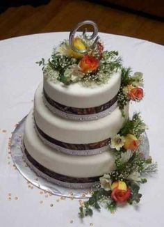 """""""Keepin' It Country"""" Wedding Colors Roses & Mossy Oak Camouflage Print Ribbon Wedding Cake: Country :) <3"""