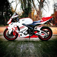 """Yes or No | via: @munky600rr #Honda #CBR #Sportbikeaddicts"""