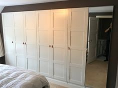 Our master bedroom contained an old built-in wardrobe, which had to go. I decided to make my own IKEA PAX built-in wardrobe and the result is fabulous. Walk In Closet Ikea, Ikea Pax Closet, Small Closet Space, Build A Closet, Small Spaces, Closet Doors, Small Rooms, Ikea Bedroom, Bedroom Furniture