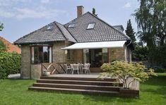 housing reportage danish housing architects brick villa have terrace Wooden Terrace, Wooden Decks, Bungalow, Mud Hut, Porch Veranda, Outdoor Life, Outdoor Decor, Backyard Plan, Terrace Design