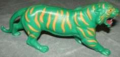 Toys for sale page 1 : He-Man Battle Cat! This cat would split apart and had another robot cat inside him! Toys R Us Kids, 80s Kids, Kids Tv, 1980s Childhood, Childhood Days, Retro Toys, Vintage Toys, He Man Thundercats, Right In The Childhood