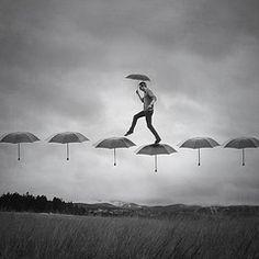 Cảm Cười...chơi - Page 38 Aa3adf72aeea391439c4d0733cbb00cf--umbrellas-parasols