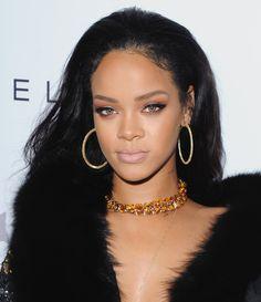 Weekend Makeup Inspo: Rihanna's Killer Look