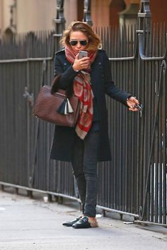 The designer steps out in the fashion shoe of the season during a cold spell in New York.