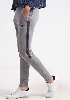 TECH PANT - Pantalon de survêtement - grijs -  de  grijs  PANT  . Nike  TracksuitTracksuit BottomsJoggersNike ... 5e600ae814d
