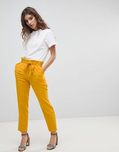 Miss Selfridge Paperbag Pant - Yellow Paris Outfits, Jean Outfits, Summer Outfits, Casual Outfits, Cute Outfits, Summer Clothes, Work Outfits, Latest Fashion Clothes, Fashion Pants