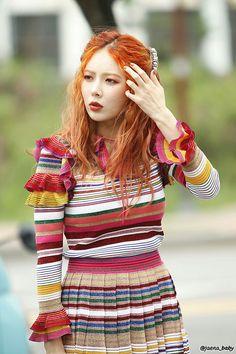Kim Hyun Ah - Music Core Mini Fanmeeting Pics Hyuna Triple H, Wonder Girls Members, Hyuna Kim, E Dawn, Pop Singers, Green Shirt, Beautiful Couple, Supergirl, Celebrity Crush