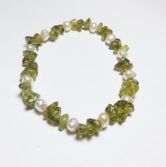 Peridot and Freshwater Pearl Stretch Bracelet