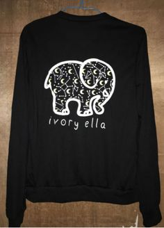 This lovely T-shirt with long sleeves will protect you from sun or from fresh temperature. 100% cotton for your comfort. A pocket in front and this nice elephant print on the back. Very original desig