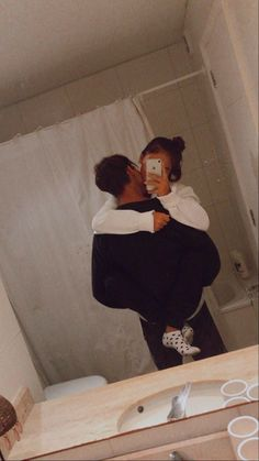 Teen Couples, Cute Couples Photos, Cute Couple Pictures, Cute Couples Goals, Romantic Couples, Couple Pics, Freaky Pictures, Couple Things, Boyfriend Pictures