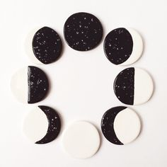 There's one set of 5 moon phase magnets left in the shop. Somebody snatch 'em… Diy Clay, Clay Crafts, Diy And Crafts, Arts And Crafts, Ceramic Pottery, Ceramic Art, Deco Nature, Pottery Classes, Idee Diy