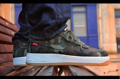 air-force-1-low-supreme-camo