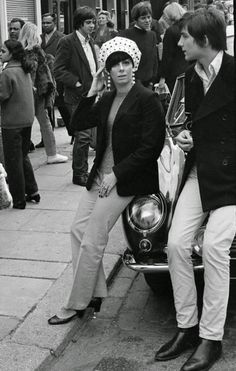 Swinging Sixties London – 21 Amazing Black and White Photographs Captured Scenes on Portobello Road, Notting Hill in 1966-67
