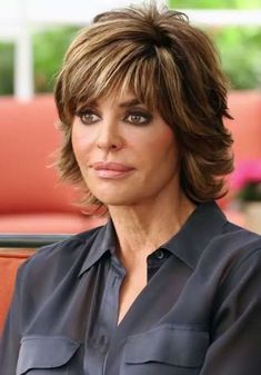haircuts with layers rinna looks fabulous at 50 as she picks up cup of 9768