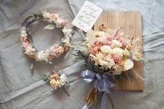 dryflower bouquet flower crown 花冠もお揃いで 色白黒髪なので 寒色系も取り入れた方が良いかなと迷われていた花嫁様 ご相談した結果 寒色系の替わりに パープル味のある グレー系のリボンを チョイスされました ありがとうございました #rusticwedding #dryflower #bouquet #weddingflowers #weddingbouquet #ブーケ #ウェディング #フォトウェディング #weddingtrends #花冠 #花かんむり #ウェディングブーケ #ウェディングドレス #結婚式 #結婚式準備 #プレ花嫁 #日本中のプレ花嫁さんと繋がりたい #オーダーメイド #前撮り #花のある暮らし #クラッチブーケ #ドライフラワー #wedding #bridalbouquet #bridal #写真撮ってる人と繋がりたい #flowerstagram #2018春婚 #ドライフラワーブーケ #weddingtrends #instagram : http://ift.tt/2B2e4A6