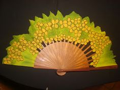 """ABANICOS PINTADOS A MANO """" DISIMUSA"""" Antique Fans, Vintage Fans, Painted Fan, Hand Painted, Donna Karan, Hand Held Fan, Hand Fans, Flag Garland, Oil Candles"""