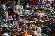Flea markets in Tokyo? They can be a great place to buy bargain goods and used clothing. Our Complete Guide to Tokyo Flea Markets includes tips Healthy Eating For Kids, Healthy Living Tips, Diy And Crafts Sewing, Crafts To Sell, Icon Girl, Hunter Guide, Shabby, Hobbies For Women, Craft Wedding