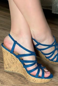 High Heels Boots, Cute Shoes Heels, Bare Foot Sandals, Ankle Strap Sandals, Sexy Zehen, Girl Soles, Sexy Legs And Heels, Gorgeous Feet, Sexy Toes