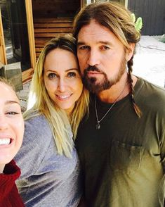 Happy Hippie Foundation, Billy Ray Cyrus, Miley Cyrus, Couple Photos, Concert, People, Instagram, Couple Shots, Folk