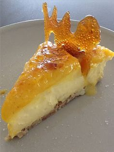 TARTA DE CREMA CATALANA CON YEMA TOSTADA | DULCES FRIVOLIDADES Sweet Recipes, Cake Recipes, Healthy Potato Recipes, Cold Desserts, Barbacoa, Tostadas, Sin Gluten, I Foods, Food Inspiration