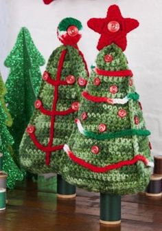 Christmas Tree Duo in Red Heart Super Saver Economy Solids - LW2630