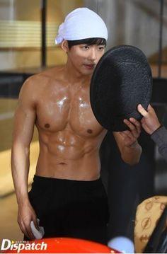 "Nam Goong Min - ""Sensory Couple"" as Kwon Jae Hee or Jay Kwon Ji Chang Wook Abs, Ji Chan Wook, Hot Korean Guys, Korean Men, Hot Guys, Sexy Asian Men, Sexy Men, Asian Guys, Asian Actors"