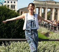Tini ❤ Violetta Live, Overalls, People, Pants, Fandom, Stuff To Buy, Queen, Shopping, Collection
