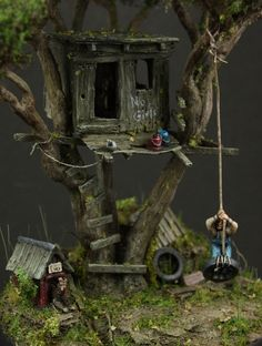 """Toms' treehouse"" 1/87 scale.  By Oliver ""HonourGuard"" Späth.  #diorama #vignette"