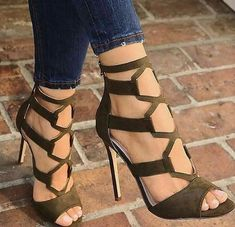 high heels – High Heels Daily Heels, stilettos and women's Shoes Hot Shoes, Women's Shoes, Me Too Shoes, Shoe Boots, Suede Shoes, Pumps Heels, Stiletto Heels, Heeled Sandals, Sandals Outfit