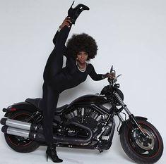 strangeasanjles: thebigblackwolfe: kiss-my-afro: Amara why. Black Girls Rock, Black Girl Magic, My Black Is Beautiful, Beautiful Women, Vintage Black Glamour, Black Women Art, Black Art, White Women, Sexy Women
