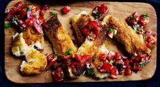 Rasvaiset juustotikut ja sopivasti tulinen salsa ovat täydellinen makupari illanistujaisiin. Mozzarella, Salsa, Meat, Chicken, Cooking, Kitchen, Salsa Music, Brewing, Cuisine