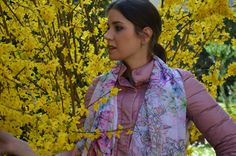 Stola Narciso fantasia floreale rosa quarzo Tendenza Primavera 2016 Marina Finzi Collection