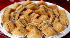 Pastry Recipes, Dessert Recipes, Cooking Recipes, Tunisian Food, Middle Eastern Desserts, Tea Snacks, Arabic Sweets, Sweet Pastries, Roasted Almonds