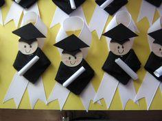 Graduation Crafts- for Preschool or Kindergarten! Graduation Crafts, Pre K Graduation, Kindergarten Graduation, Graduation Parties, End Of School Year, Pre School, Multicultural Crafts, School Projects, School Ideas