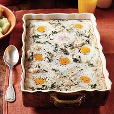 Grits-and-Greens Breakfast Bake - 30 Easy Breakfasts Fit for a Crowd - Southernliving. Recipe: Grits-and-Greens Breakfast Bake We like to call this the Southern version of Green Eggs and Ham, on account of the collard greens. Baked Breakfast Recipes, Vegetarian Breakfast, Breakfast Bake, Breakfast Casserole, Brunch Recipes, Breakfast Ideas, Breakfast Dishes, Egg Recipes, Sunday Breakfast