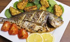 Baked gilthead recipe with potatoes Potato Recipes, New Recipes, Healthy Recipes, Healthy Food, Fish And Meat, Fish And Seafood, Chinese New Year Food, Healthiest Seafood, Lean Protein