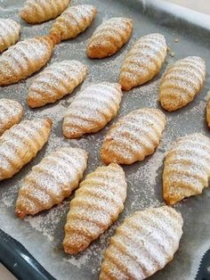Kıyır Kıyır Elmalı Kurabiye Tarifi #kıyırkıyırelmalıkurabiye #kurabiyetarifleri #nefisyemektarifleri #yemektarifleri #tarifsunum #lezzetlitarifler #lezzet #sunum #sunumönemlidir #tarif #yemek #food #yummy Baked Potato, Cookie Recipes, Biscuits, Bread, Cookies, Baking, Cake, Ethnic Recipes, Foods