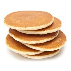 Pancakes are certainly a family favorite, epsecially if you have kiddos, but this easy vegan breakfast recipe is the perfect vegan meal to serve your New Year's guests. Pancakes Végétaliens, Pancake Proteine, Pancakes For Dinner, Tasty Pancakes, Breakfast Pancakes, Vegan Pancake Recipes, Best Pancake Recipe, Vegan Recipes, Pancake Flavors