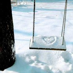 A swinging winter love story I Love Snow, I Love Winter, Winter Fun, Winter White, Snow Scenes, Winter Scenes, Winter Wonderland, Image Nature, Foto Casual